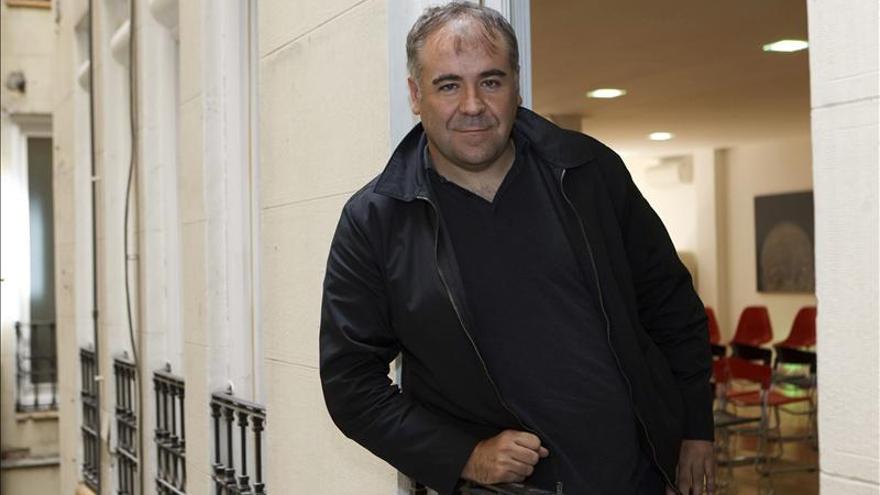 García Ferreras afirma que lleva el oficio pegado a la piel, como el minero lleva el carbón