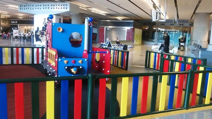 El aeropuerto de Málaga estrena siete parques infantiles entre las zonas de Llegadas y Salidas