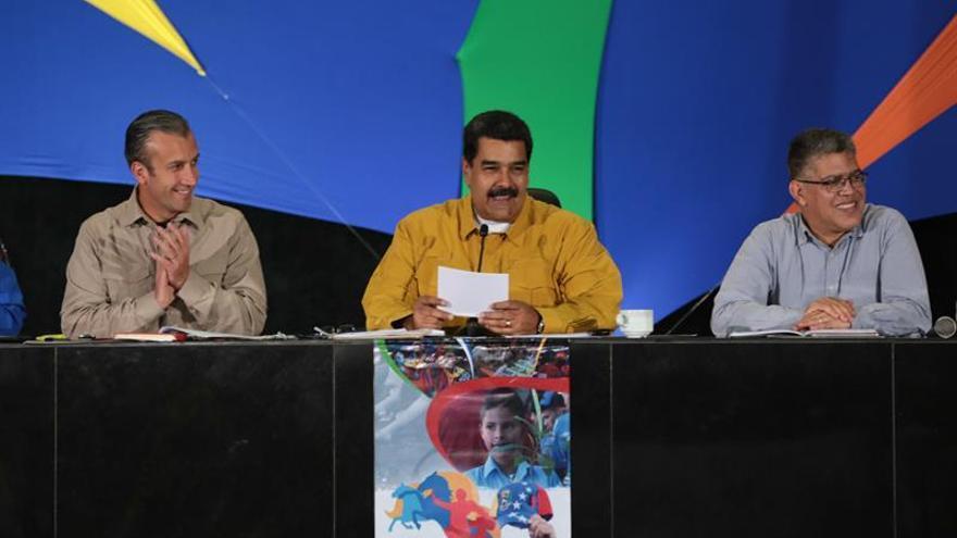 """Maduro pide desarrollar """"independencia cultural"""" y arremete contra Rajoy"""