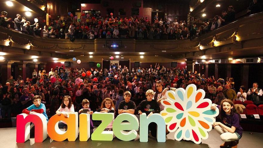 Miembros de Naizen durante la presentación de su nueva marca el pasado enero en el Teatro Principal de Donostia