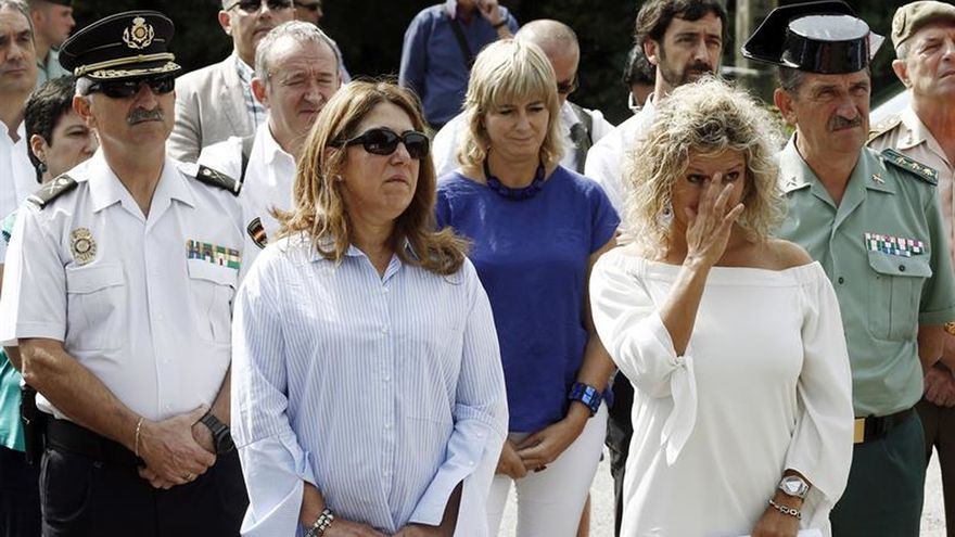 Autoridades, familiares y vecinos de Leitza recuerdan a un guardia civil asesinado