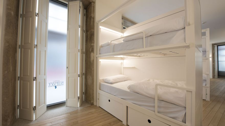 Habitación de un hostel de Bluesock en Oporto.