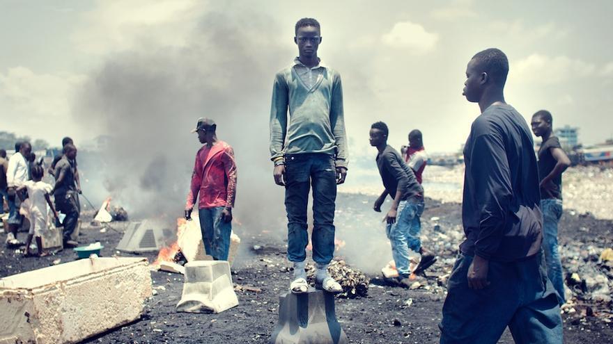 Rahman Dauda, de 12 años, posa para Kevin McElvaney en Agbogbloshie (Foto cedida por Kevin McElvaney)