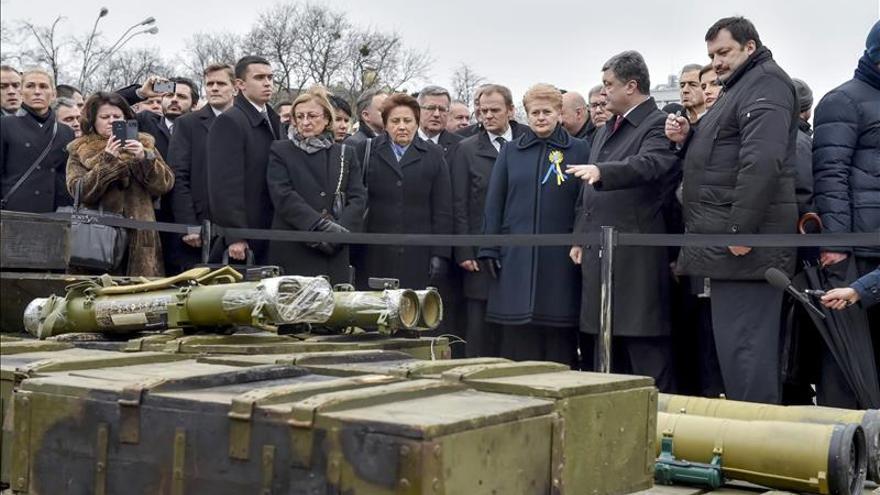 Poroshenko afirma que Nemtsov planeaba mostrar pruebas de la intervención militar rusa