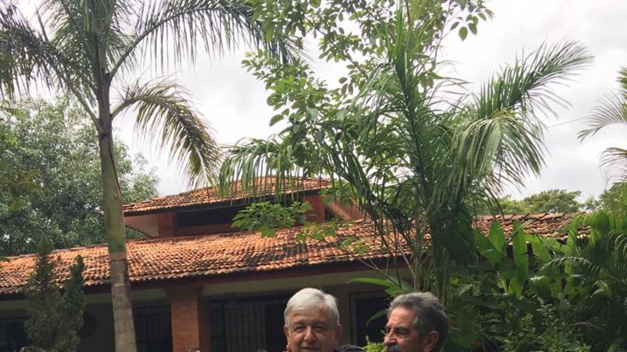 López Obrador acoge a Revilla en su rancho en Palenque.