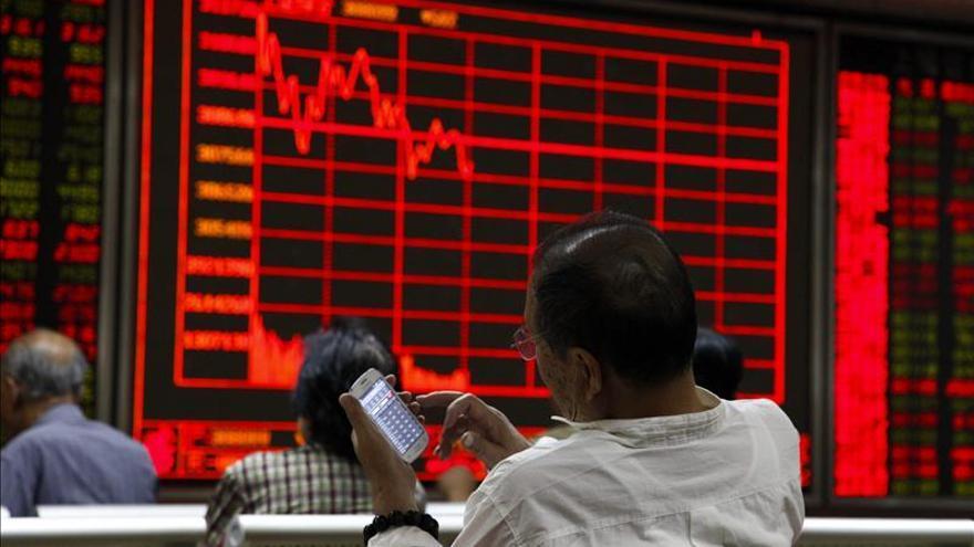 La Bolsa de Shanghái remonta y cierra la sesión con ganancias del 1,89 %
