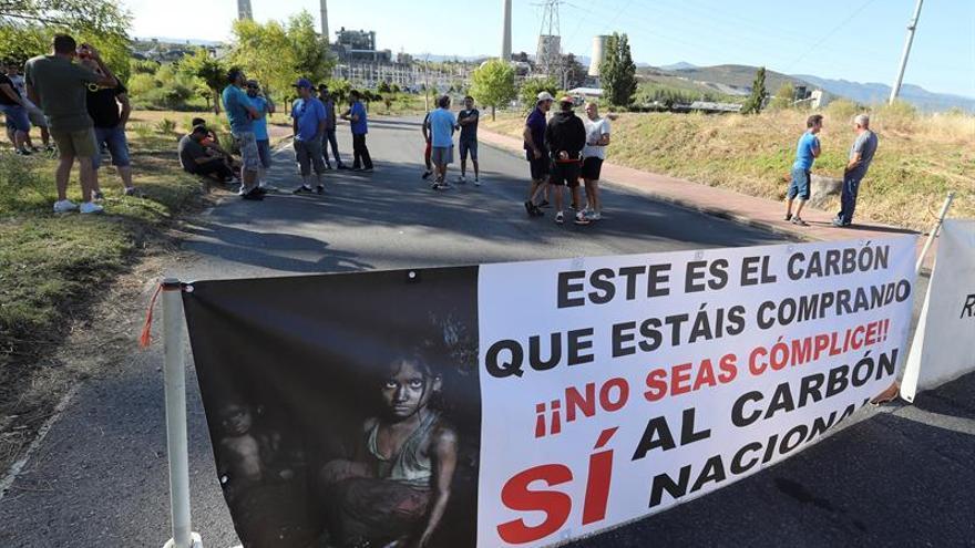 Los mineros retoman las protestas ante la central térmica de Compostilla (León)