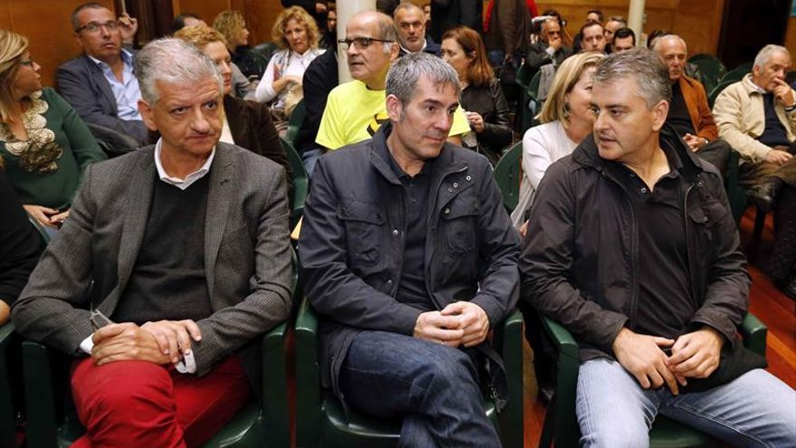 Coalición Canaria y PSOE se dan tiempo para reconducir el pacto de Gobierno