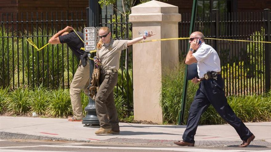 Un tiroteo en una escuela de EE.UU. deja heridos a dos niños y a una profesora