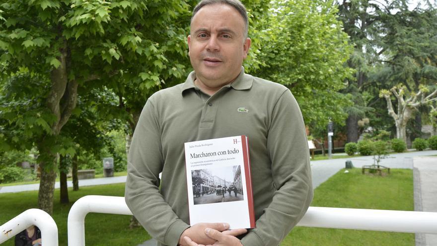 Julio Prada, autor de 'Marcharon con todo. La represión económica en Galicia durante el primer franquismo'