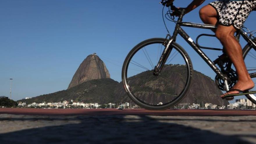 Brasil acumula déficit histórico en sus transacciones con el exterior en 2013