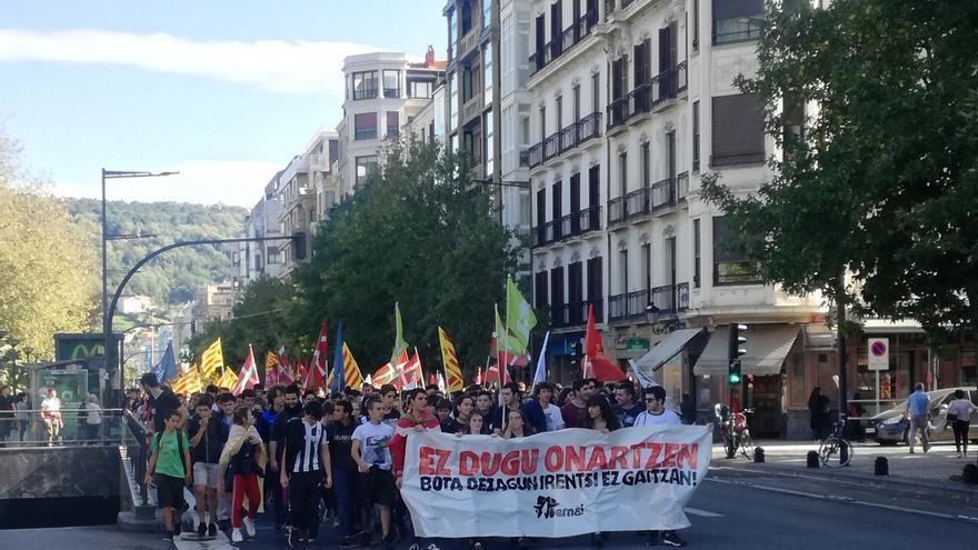En libertad los 19 detenidos en Vitoria en una de las manifestaciones convocadas por las juventudes de la IA