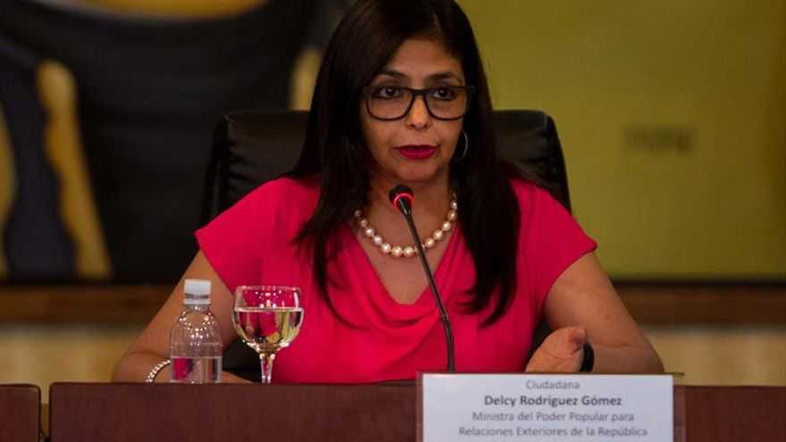 "La canciller de Venezuela denuncia a Capriles por ""falsificación de documento"""