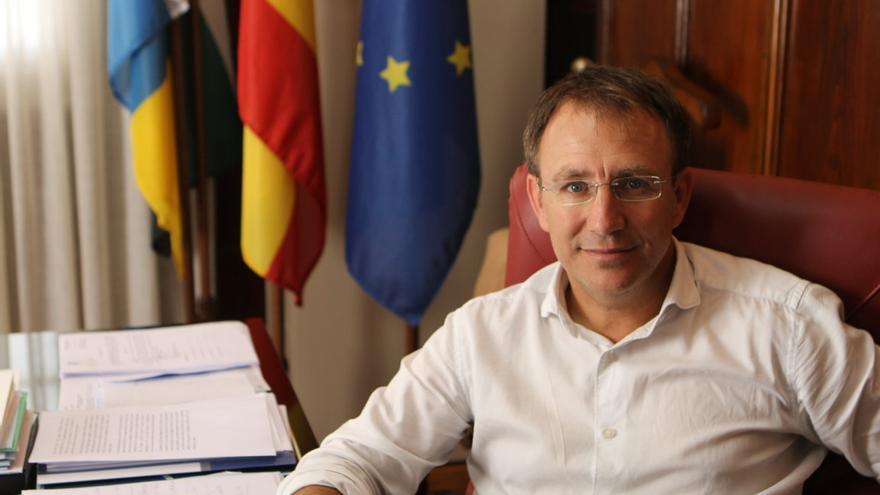 Sergio Rodríguez es alcalde de El Paso.