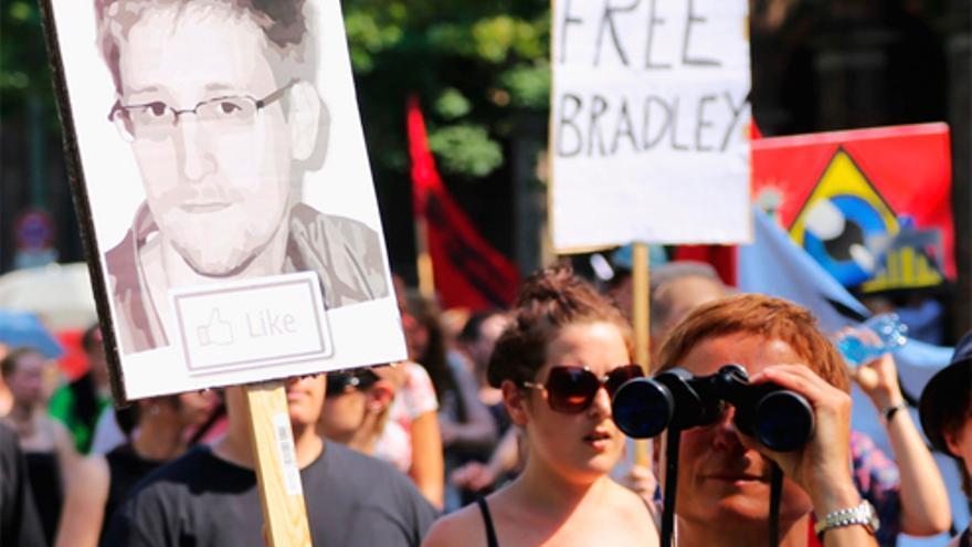 Manifestación a favor de Edward Snowden y Bradley Manning en Berlín (Foto: mw238 en Flickr)