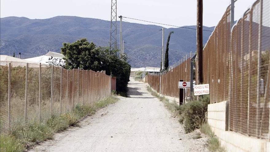 Los Ayuntamientos de Sorbas y Níjar (Almería) celebran plenos de condena por las muertes