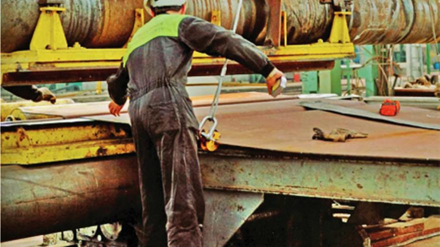 Las empresas del metal observan con cautela 2015.
