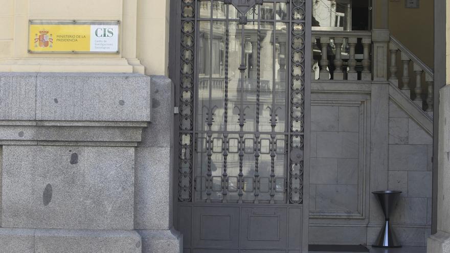 El CIS afronta un gasto extra de 435.000 euros en encuestas para las elecciones andaluzas y las catalanas