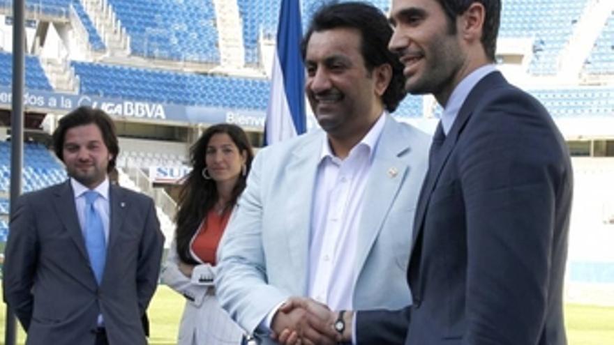 Fernando Sanz presenta al jeque Al-Thani