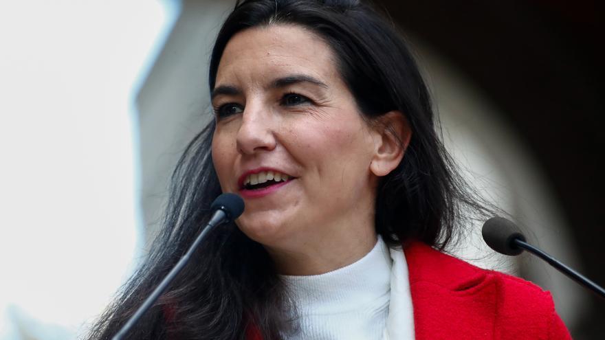 Archivo - La portavoz de Vox en la Asamblea de Madrid, Rocío Monasterio, interviene durante una concentración.