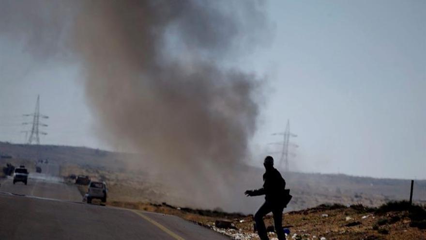 2 muertos y 8 heridos al estallar una mina en el centro de Sirte