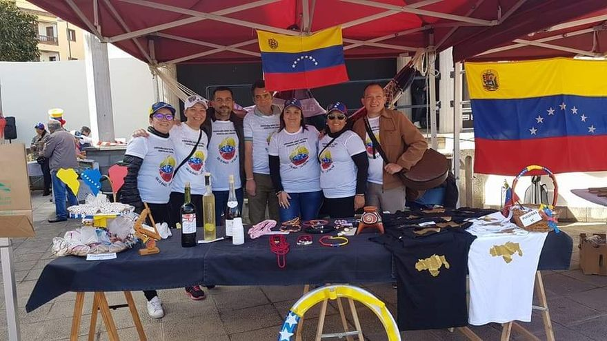 Miembros de la asociación sociocultural venezolano canaria Salto Ángel.