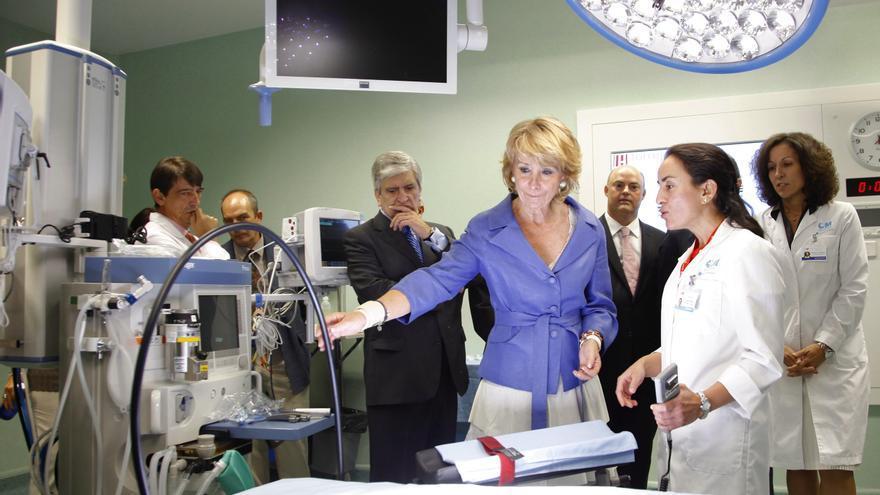 Esperanza Aguirre, en la inauguración del Hospital de Torrejón de Ardoz, en 2011. / Madrid.org