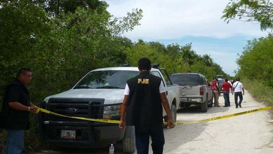 Tirotean una camioneta del equipo de un candidato a gobernador en México