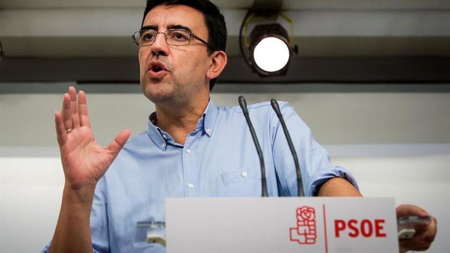 El PSOE mantiene su rechazo a los presupuestos pese a los acuerdos en el SMI y el déficit
