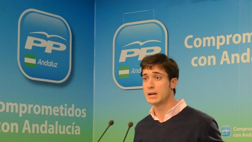 """Jóvenes del PP ironizan sobre Ana Botella: """"Entre peras y manzanas, me quedo con las NNGG"""""""