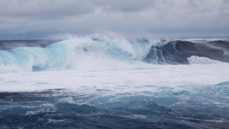Canarias estará este sábado en riesgo amarillo por fuerte oleaje