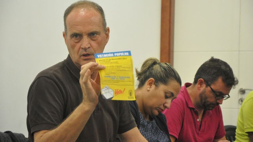 El concejal de Participación Ciudadana, Sergio Millares, comunicó esta iniciativa a los vecinos.