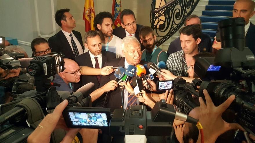 """Margallo advierte al PSOE de que quien """"pone palos a las ruedas"""" de la gobernabilidad sufre """"castigo electoral"""""""