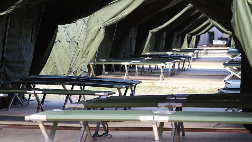 Centro de clasificación de inmigrantes que Australia instaló fuera de sus fronteras, en la isla de Nauru.