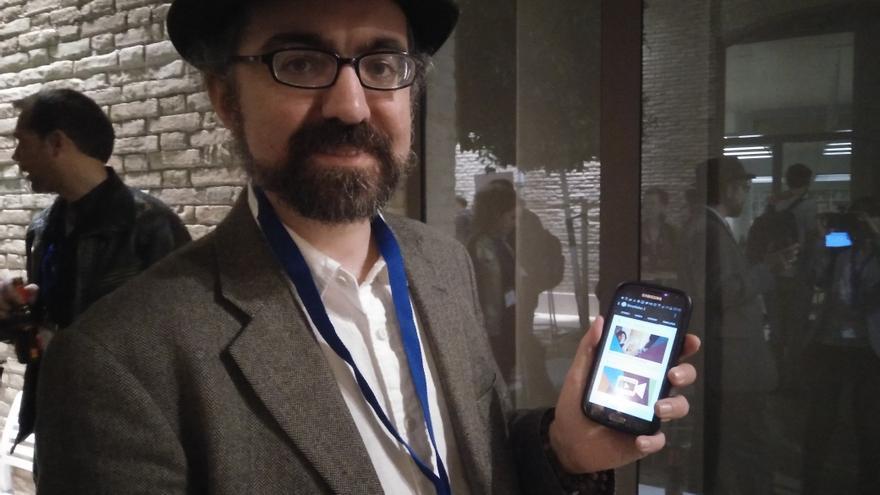 Brian Conley, desarrollador de aplicaciones con Tor par móvil, muestra StoryMaker