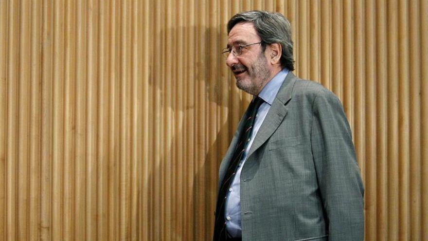 """Narcís Serra dice que """"está muy tranquilo"""" tras declarar por Catalunya Caixa"""