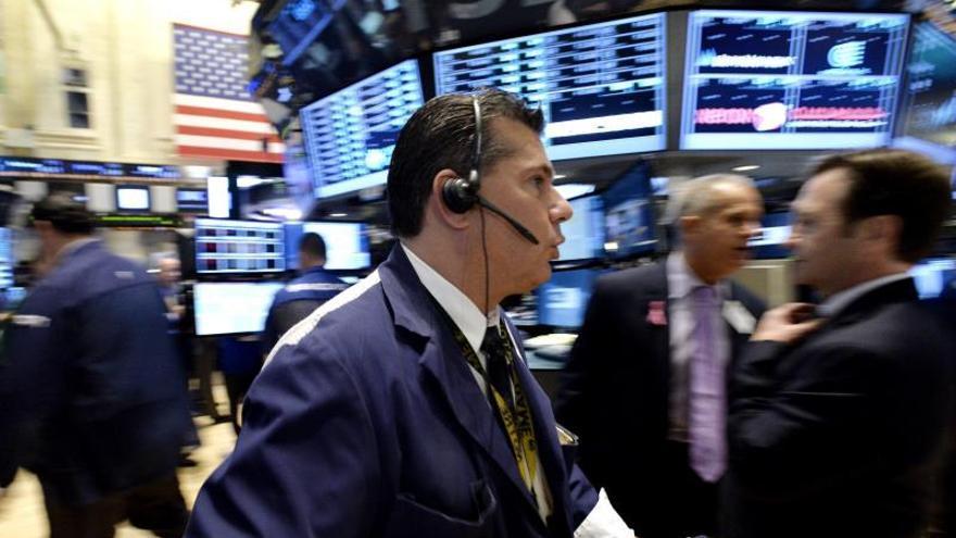 Wall Street abre con descensos y el Dow Jones baja un 0,23 por ciento