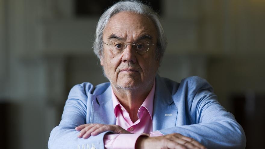 El cineasta Manuel Gutiérrez Aragón en la UIMP. |