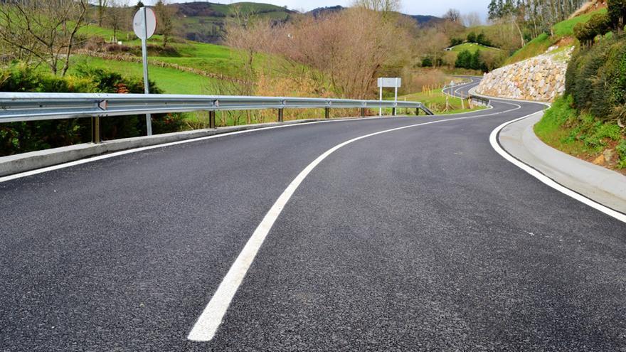Varias empresas pactaron durante años los precios del asfalto.   EFE