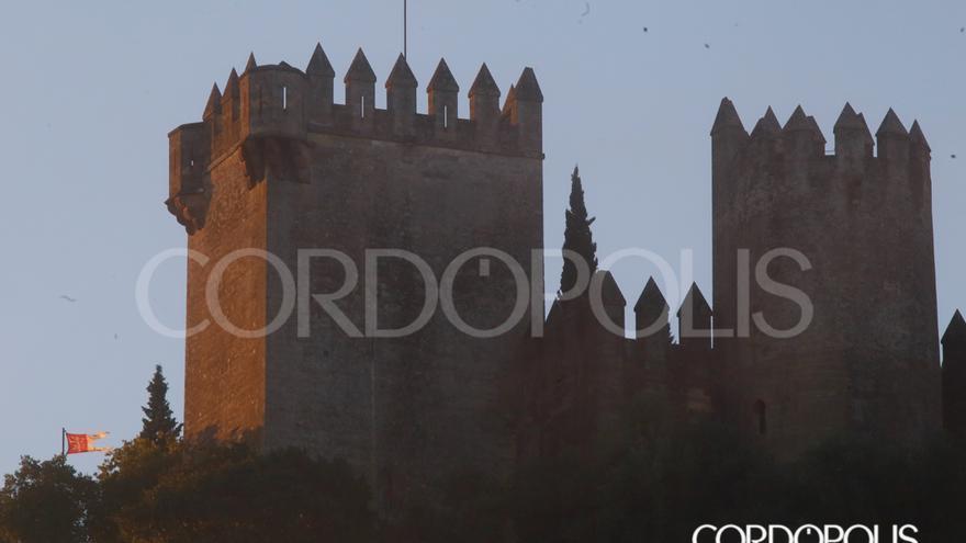 Las banderas de los Lannister, en el Castillo de Almodóvar del Río | MADERO CUBERO