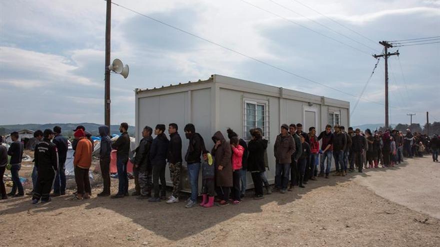ACNUR traslada a 1.100 refugiados de un campamento a hoteles y apartamentos