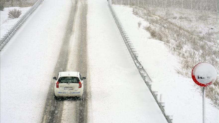 Cancelan 68 rutas escolares y 1.799 niños sin clase en Aragón por el temporal