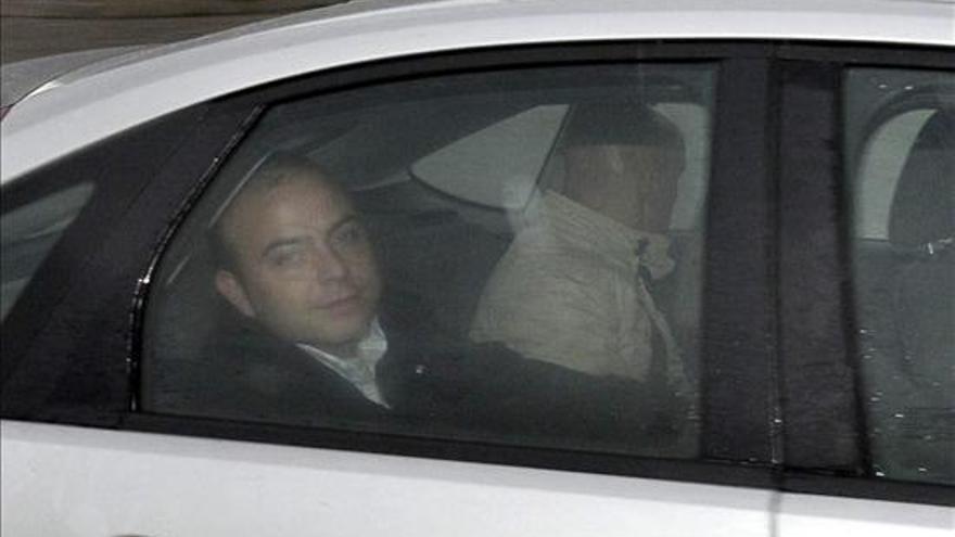 Carromero a su llegada a la cárcel de Segovia donde deberá cumplir el resto de la condena (EFE)