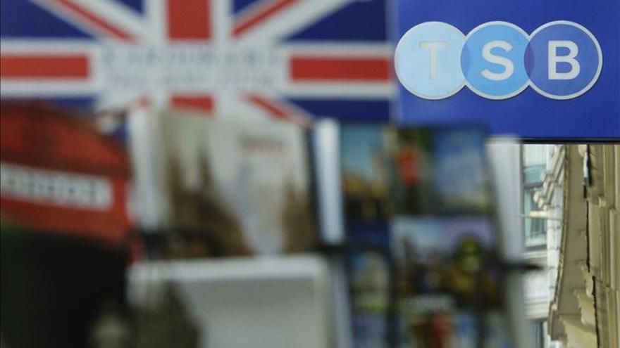 La CE aprueba la compra de TSB, del británico Lloyds, por el Banco Sabadell