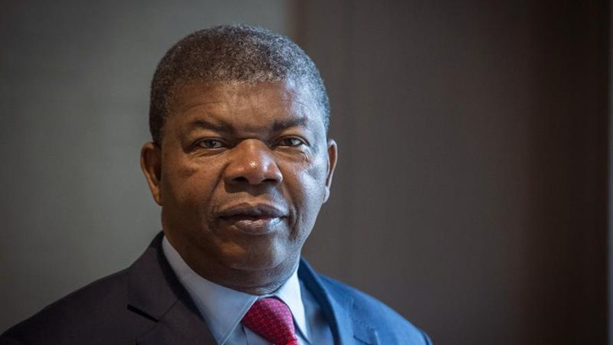 Lourenço asume presidencia de Angola tras 38 años de gobierno de Dos Santos