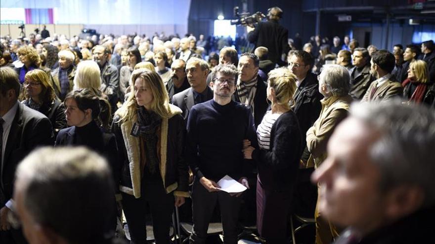 """Lágrimas, bromas y música despiden a """"Charb"""", el director de """"Charlie Hebdo"""""""