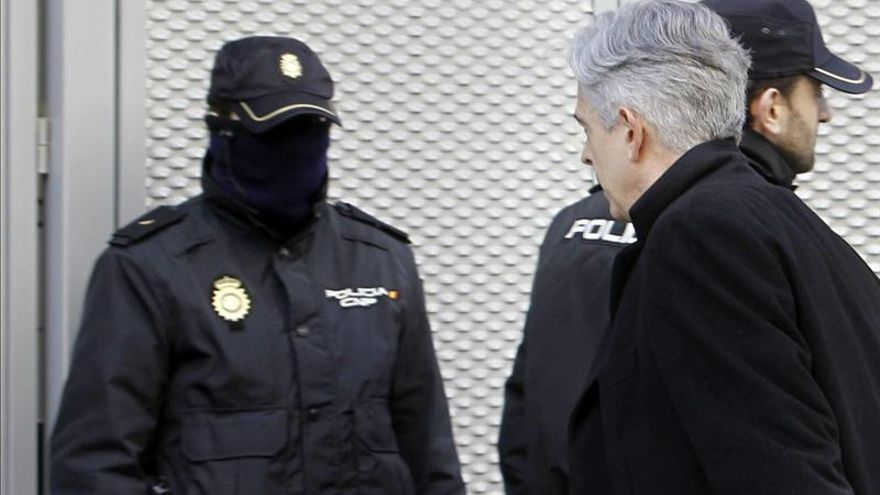 El director de El País explica al juez cómo comprobó la veracidad de los papeles de Bárcenas