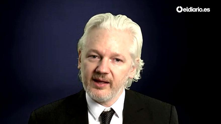 """Julian Assange en streaming para eldiario.es en el debate """"Primero fueron a por Assange"""""""