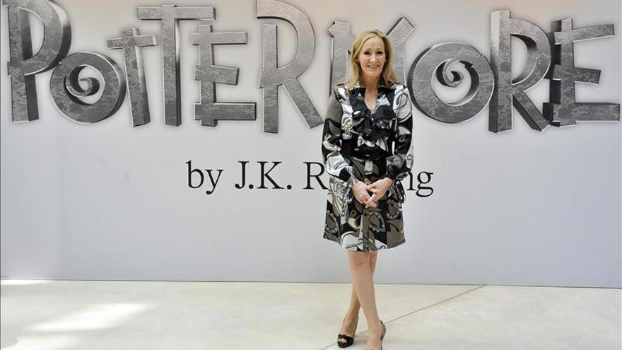 Rowling responde a las críticas por su Hermione de raza negra en una obra de teatro