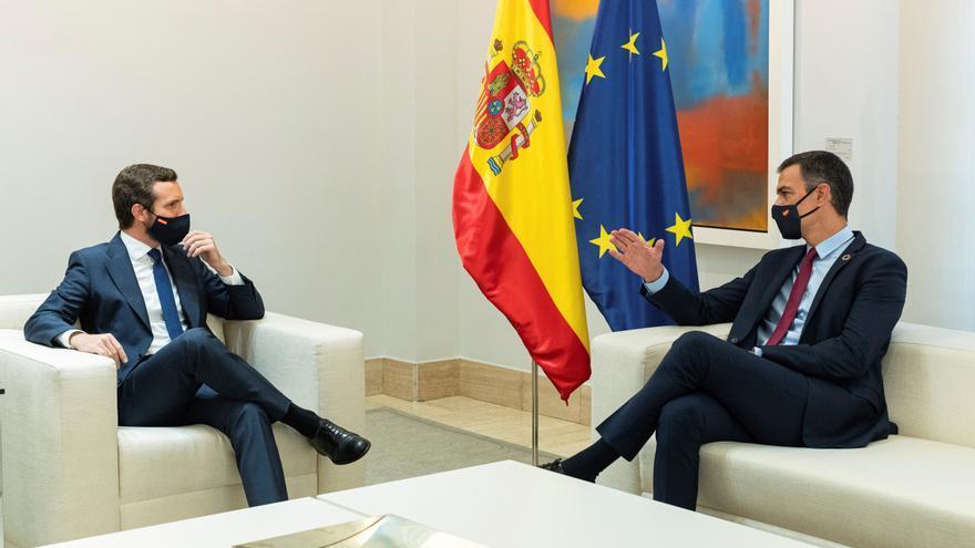 Sánchez inicia con Casado su ronda de contactos con los partidos políticos
